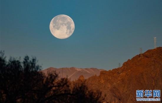 """(社會)(7)拉薩:""""超級月亮""""現天宇"""