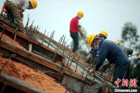 广西两条连通边城高铁有望如期建成