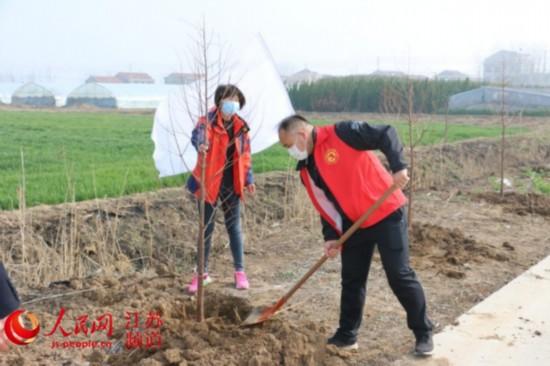 江蘇省東海縣黃川鎮:植綠種樹忙