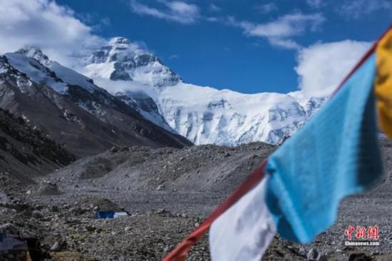 图为喜马拉雅山脉主峰世界最高峰珠穆朗玛峰。 何蓬磊 摄