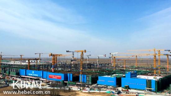 建設現場塔吊林立 京雄城際雄安站積極推進項目復工