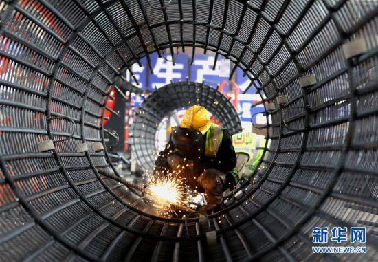 (经济)(2)京雄高速公路复工建设稳步推进