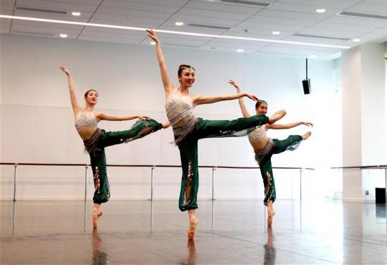(新华视界)(1)上海芭蕾舞团举行年度考核