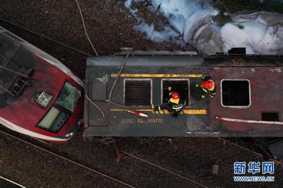 (社会)(1)京广铁路火车脱轨已造成1死127伤