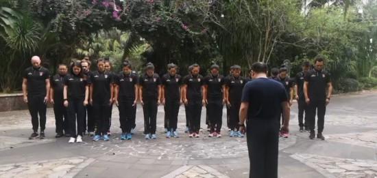 女子橄欖球隊1.jpg