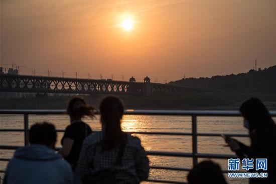 (聚焦疫情防控)(4)武汉:春暖花开 扬帆起航