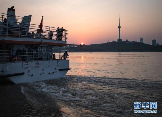 (聚焦疫情防控)(2)武汉:春暖花开 扬帆起航