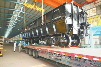 眉山造铁路货车运抵台湾交货
