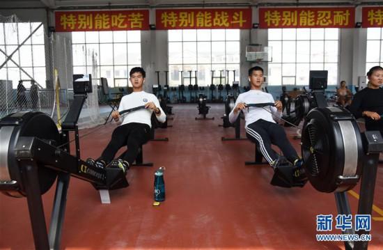 (體育)(6)中國賽艇隊、皮劃艇隊轉場日照備戰奧運