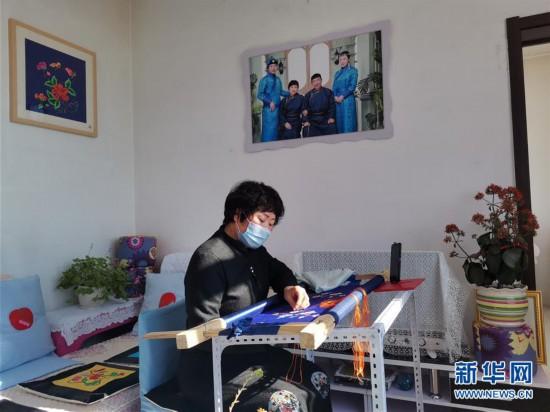 """(新华全媒头条・图文互动)(12)内蒙古贫困旗县全部""""摘帽"""""""