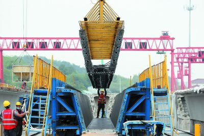 312国道南京绕越高速至仙隐北路段施工忙
