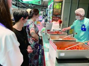 小龙虾上市价格同比下降 南京人一天吃掉60吨-龙虾妹妹