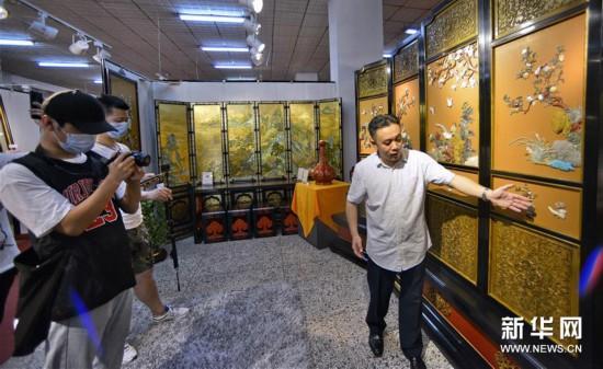 (文明)(1)金漆镶嵌漆艺佳构表态北京