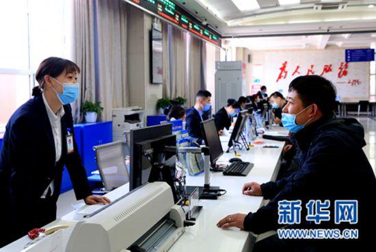 灵武市:审批不见面容缺办 服务不打烊有增值