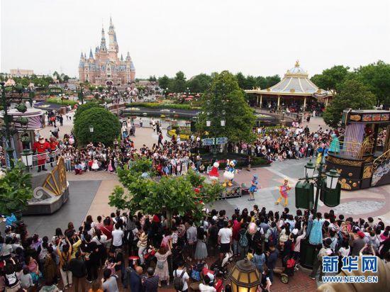 (图文互动)(1)上海迪士尼乐园将于5月11日起重新开放 实行限流和预约