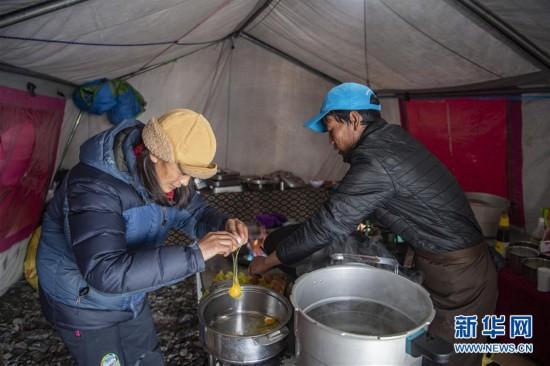 (2020珠峰高程测量)(1)探访珠峰海拔6500米的高山厨房