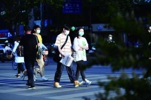 5月14日南京等地有大風暴雨 氣溫驟降近10℃