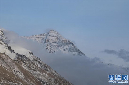 (2020珠峰高程测量・新华视界)(5)看珠峰云卷云舒 观巅峰千姿百态