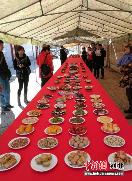 图为白洋淀圈头村传承百年的婚宴大席。(资料图) 韩冰 摄