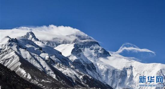 (2020珠峰高程測量·新華視界)(11)看珠峰雲卷雲舒 觀巔峰千姿百態
