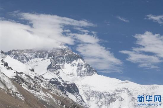 (2020珠峰高程測量·新華視界)(6)看珠峰雲卷雲舒 觀巔峰千姿百態