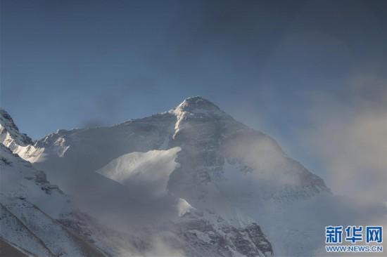 (2020珠峰高程測量·新華視界)(8)看珠峰雲卷雲舒 觀巔峰千姿百態