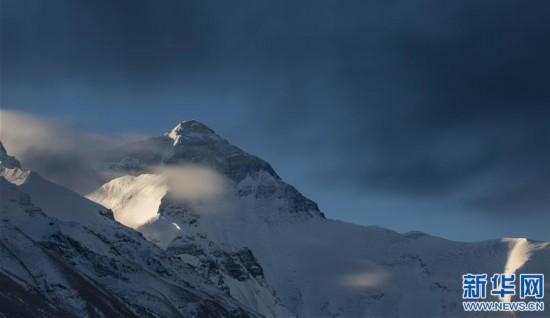 (2020珠峰高程測量·新華視界)(7)看珠峰雲卷雲舒 觀巔峰千姿百態