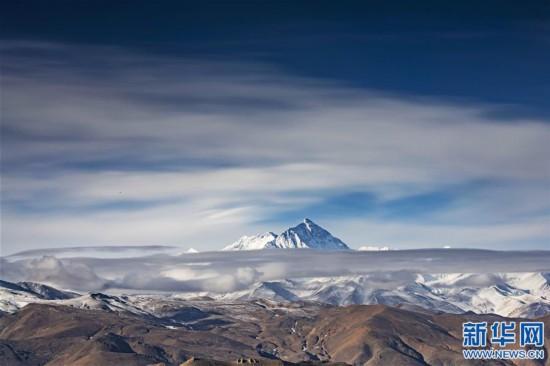 (2020珠峰高程测量・新华视界)(1)看珠峰云卷云舒 观巅峰千姿百态