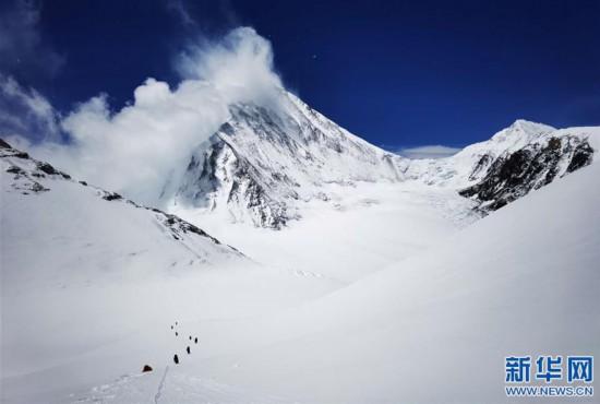 (2020珠峰高程測量·新華視界)(24)看珠峰雲卷雲舒 觀巔峰千姿百態