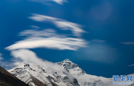 (2020珠峰高程測量·新華視界)(10)看珠峰雲卷雲舒 觀巔峰千姿百態