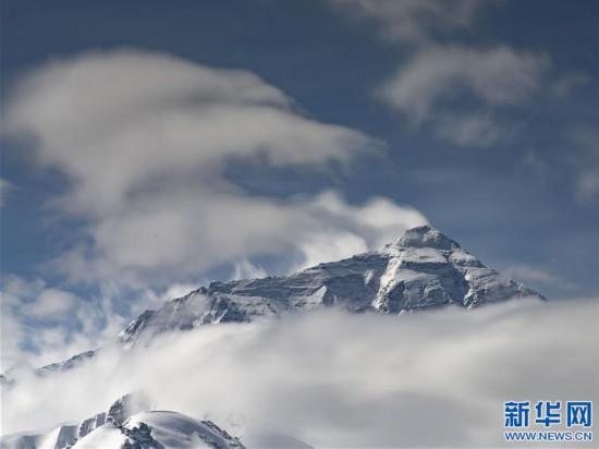(2020珠峰高程測量·新華視界)(18)看珠峰雲卷雲舒 觀巔峰千姿百態