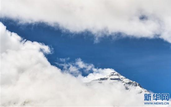 (2020珠峰高程測量·新華視界)(14)看珠峰雲卷雲舒 觀巔峰千姿百態