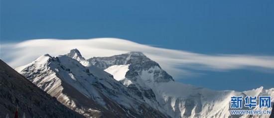 (2020珠峰高程测量・新华视界)(3)看珠峰云卷云舒 观巅峰千姿百态