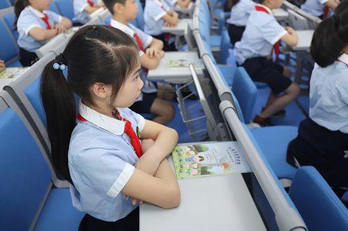 中小学复学进行时:特别的一课关爱眼健康