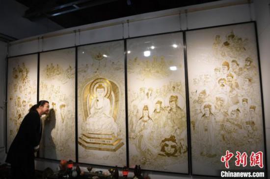 """中国三代民间艺人的""""珐琅情""""传承中创新让艺术亲近生活"""