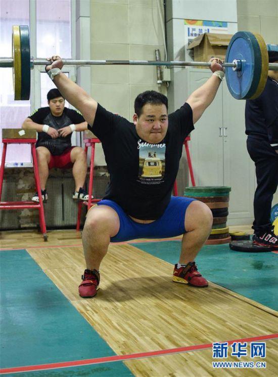 (体育)(3)举重――吉林省男子举重队训练进行时