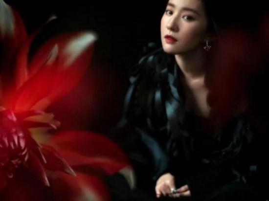 刘亦菲再登《嘉人》的封面,惊艳众人