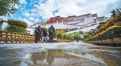布达拉宫恢复开放