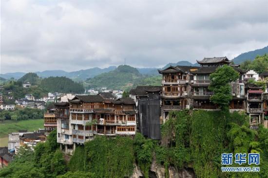 (图文互动)(6)美了乡村 富了山民――湖南崛起一批文旅特色小镇