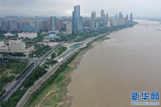 (环境)(1)南昌:连日降雨赣江水位升高