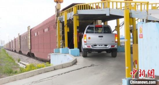 哈铁运输商品汽车2.6万辆助力汽车行业回暖
