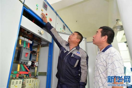 (社会)(4)江西南昌:巡查排险 保障汛期安全