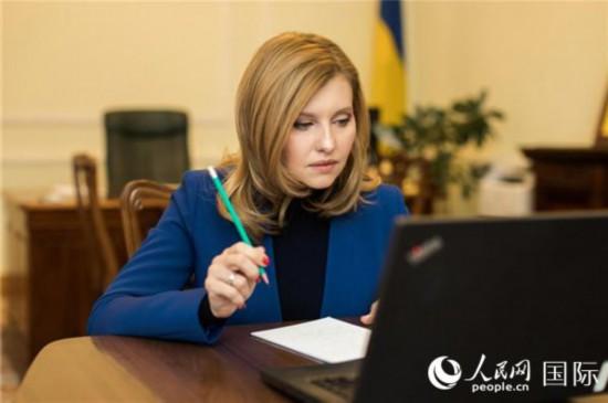 乌克兰总统夫人新冠病毒检测呈阳性 尚未出现任何症状