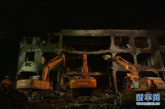 (社会)(2)浙江境内高速槽罐车爆炸已造成19人遇难
