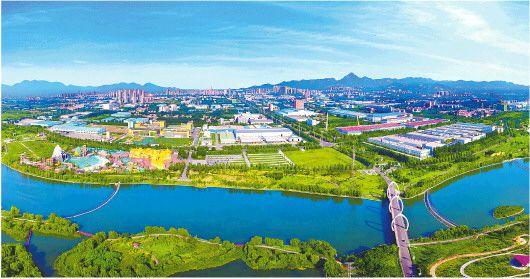 濟南市推動農村生態環境質量提升,建設生態綠色美麗鄉村。圖為濟南市章丘區繡源河40裡風貌帶。