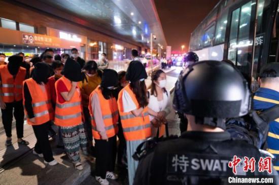 上海警方全鏈條搗毀一虛假外匯交易詐騙團伙