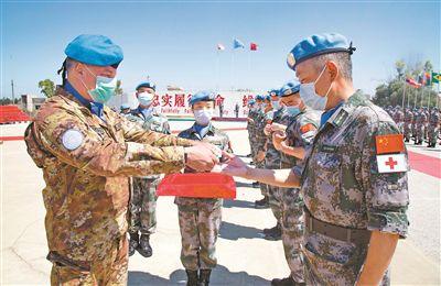 中国第18批赴黎巴嫩维和部队410名官兵被授予联合国勋章