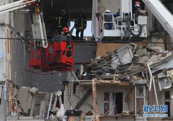 (国际)(1)乌克兰首都一居民楼爆炸致2人死亡