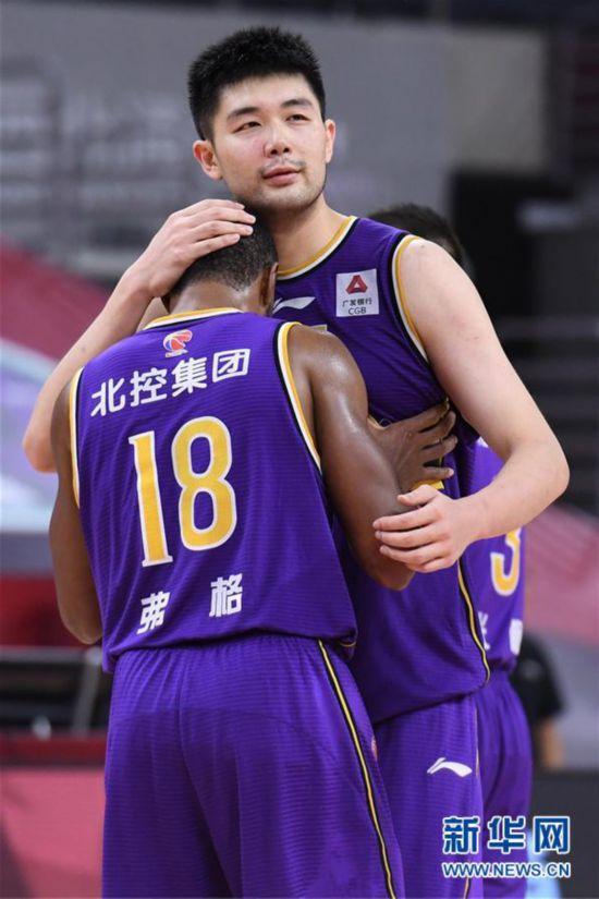 (体育)(3)篮球――CBA复赛第一阶段:北京控股胜山东西王