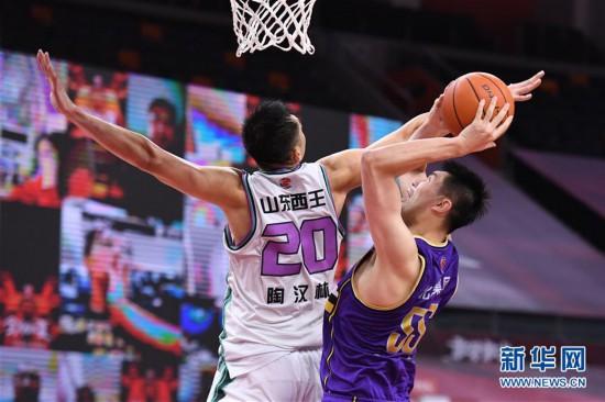 (体育)(7)篮球――CBA复赛第一阶段:北京控股胜山东西王